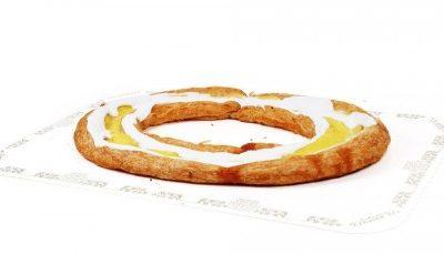 Wienerring fylt med makron og melisglasur